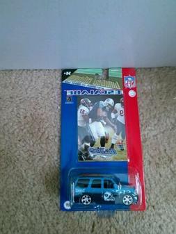 NFL Football Tennessee Titans  Fleer Escalade 1:64 Truck Tea